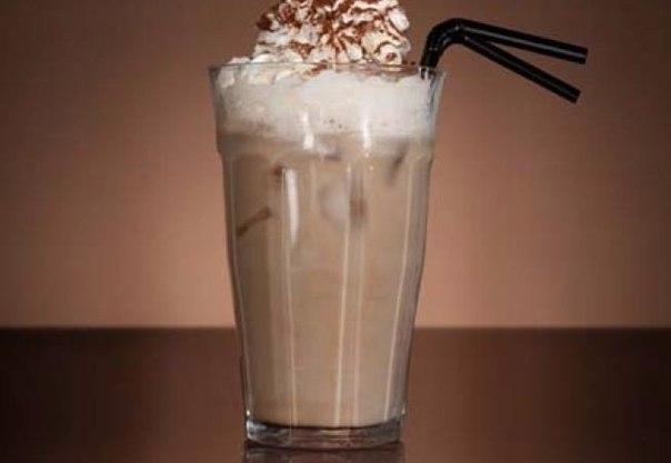 Айс-кофе с соком из вишни, клубники и черешни