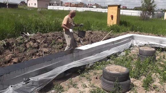 Применение полиэтиленовых пленок в строительстве, их виды и свойства