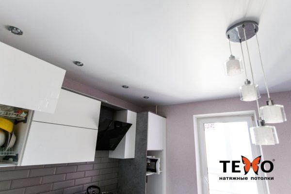 Светильники к натяжному потолку для кухни