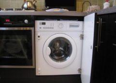 Как выбрать стиральную машину для встраивания в кухонную мебель?